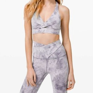 lululemon athletica Pants & Jumpsuits - NWT LULULEMON DIAMOND DYE 28' CRISS CROSS leggings